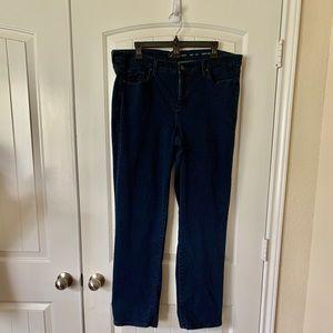 Calvin Klein Jeans -curvy straight size 33x32
